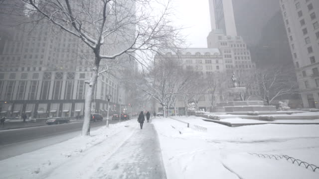 winter in new york city - urban road stock videos & royalty-free footage