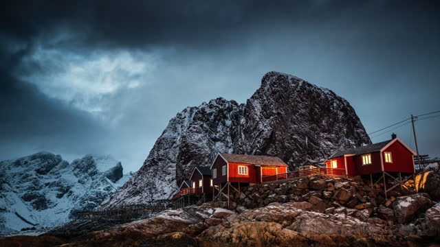 レーヌの冬, ロフォーテン諸島, ノルウェー - village点の映像素材/bロール