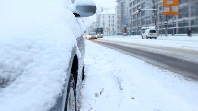Winter Straße-Verkehr in Deutschland