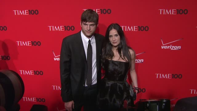 wireimage week in review 11/23/11 - spanish version - ashton kutcher stock videos & royalty-free footage