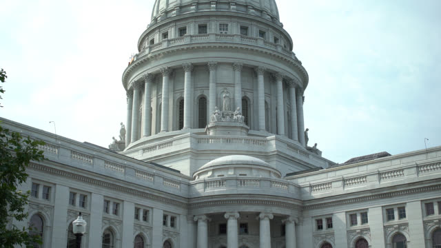 wisconsin state capitol building - federal building stock videos & royalty-free footage