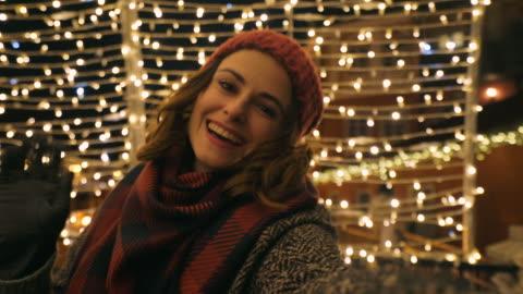 vídeos de stock e filmes b-roll de wishing the all the best! - christmas