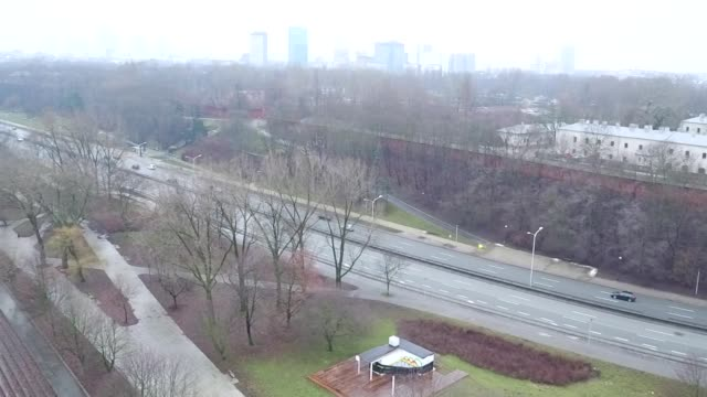 stockvideo's en b-roll-footage met wislostrada and wybrzeze gdanskie street in warsaw - mens gemaakte bouwwerken