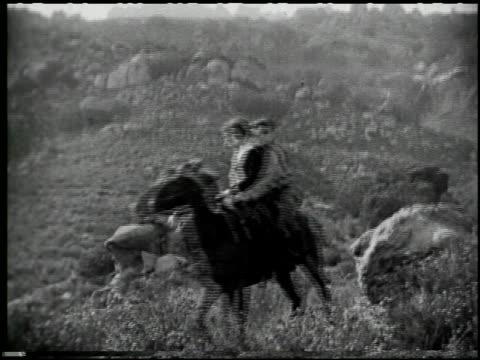 with buffalo bill on the u.p. trail - 1 of 9 - andere clips dieser aufnahmen anzeigen 2526 stock-videos und b-roll-filmmaterial