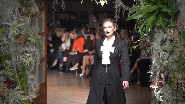 RUNWAY SLOMO with Cara Delevingne Jaime Winstone Gwendoline Christie Kendall Jenner Alice Dellal Patsy Kensit Daisy Lowe Mary Charteris at Giles A/W...