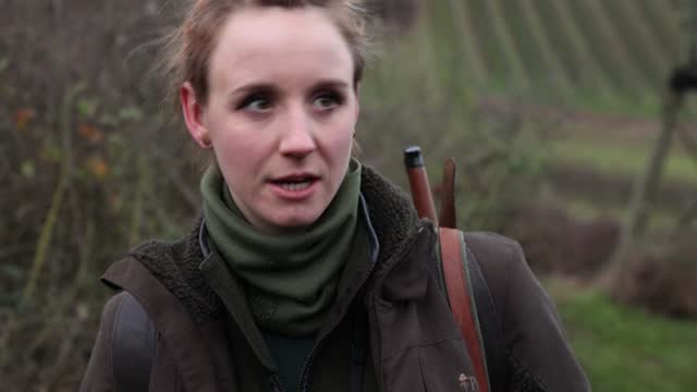 with her dreadlocks and nose piercing, shanna reis doesn't exactly look the part of the camouflage-clad hunter tracking game in the forest - nose piercing stock videos & royalty-free footage