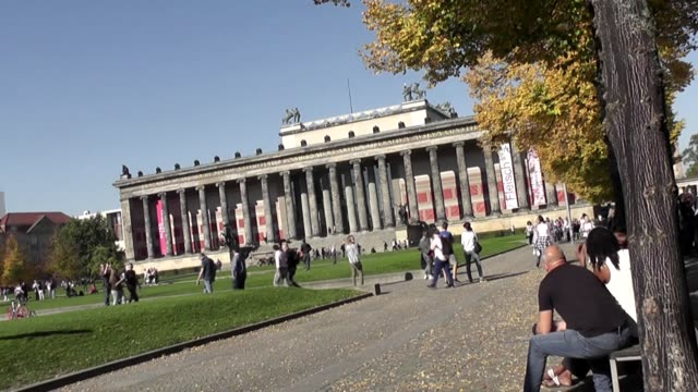 with park with people milling around. part of the kunst museum complex. - kunst stock videos & royalty-free footage