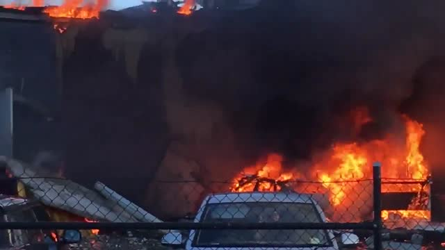 witness captured dramatic footage of the https://newswire.storyful.com/collections/essendon-plane-crash_3498 light plane which crashed into a... - https stock-videos und b-roll-filmmaterial