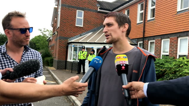witness speaks to journalists after a man and woman were exposed to the novichok nerve agent on july 4, 2018 in amesbury, england. the couple, named... - journalist video stock e b–roll