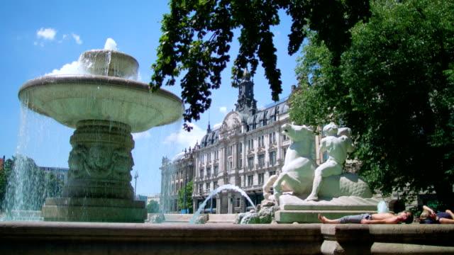 wittelsbacher fountain, lenbach square, munich - 新古典派点の映像素材/bロール