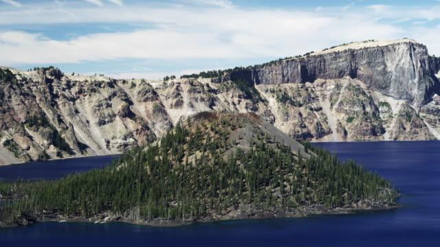 vídeos y material grabado en eventos de stock de wizard island at crater lake - parque nacional crater lake