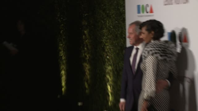 wolfgang puck at moca's 35th anniversary gala presented by louis vuitton at the geffen contemporary at moca on march 29, 2014 in los angeles,... - ウォルフギャング パック点の映像素材/bロール
