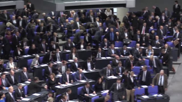 wolfgang schaeuble, a close ally of german chancellor angela merkel, has been elected new parliament speaker on tuesday, as the bundestag held its... - politics stock-videos und b-roll-filmmaterial