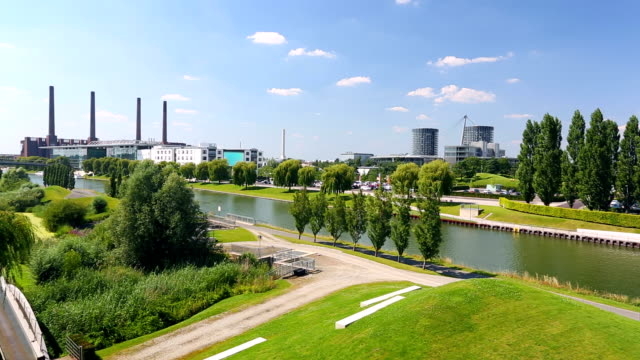 wolfsburg die skyline - panorama stock-videos und b-roll-filmmaterial