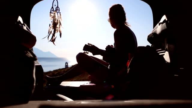 woman at summer road trip - solitario video stock e b–roll