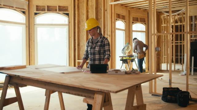 Frau-Bauunternehmer
