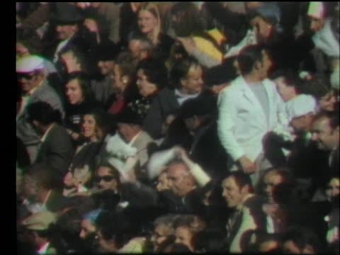 vídeos y material grabado en eventos de stock de woman bullfighter rosalia de columbia fights a bull in a stadium. - sport