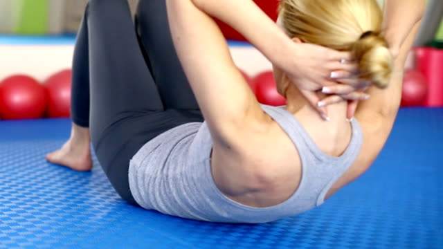 woman doing situps. - sit ups stock videos & royalty-free footage