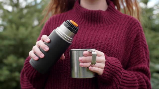stockvideo's en b-roll-footage met woman drinking coffee/ debica/ poland - natuurlijk haar