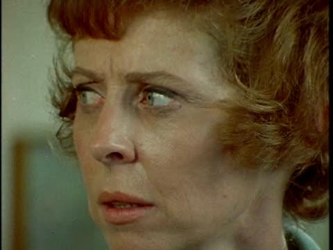 vídeos de stock, filmes e b-roll de 1971 montage woman entering alcoholism treatment facility and meeting other patients, los angeles, california, usa, audio  - usa
