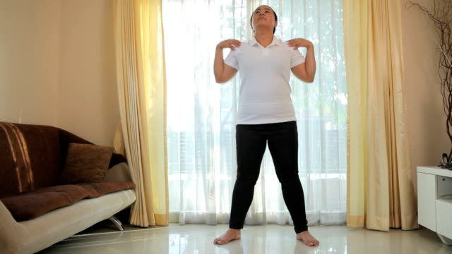 woman exercise in house - overweight workout stock videos & royalty-free footage