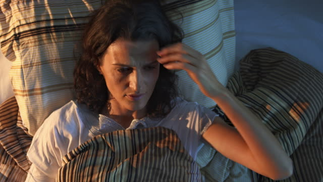 HD CRANE: Frau, Schlaflosigkeit