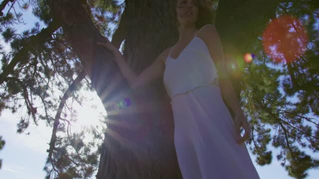woman in dress - vestito bianco video stock e b–roll