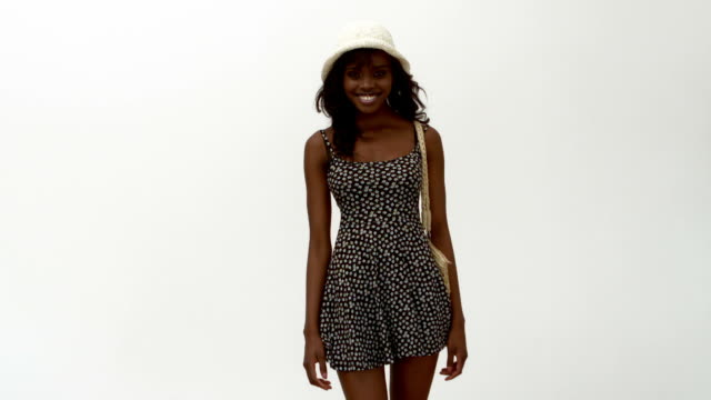 stockvideo's en b-roll-footage met woman in hat and summer dress - jurk