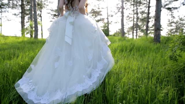 woman in wedding dress - runaway stock videos & royalty-free footage