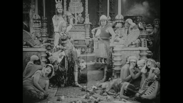 a woman is offered to the gods in babylon - 1916年点の映像素材/bロール