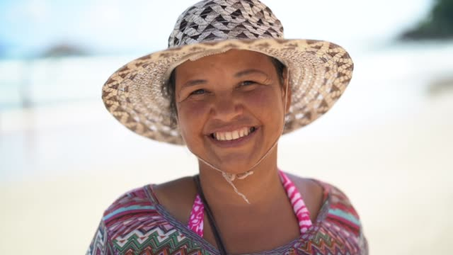 woman portrait at beach - pardo brazilian stock videos & royalty-free footage