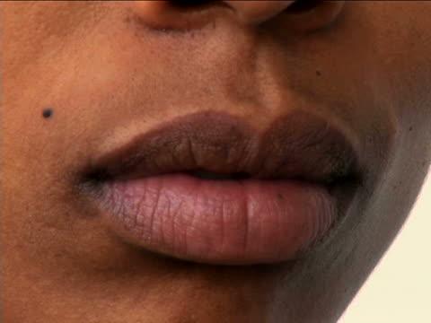 stockvideo's en b-roll-footage met woman portrait - menselijke neus