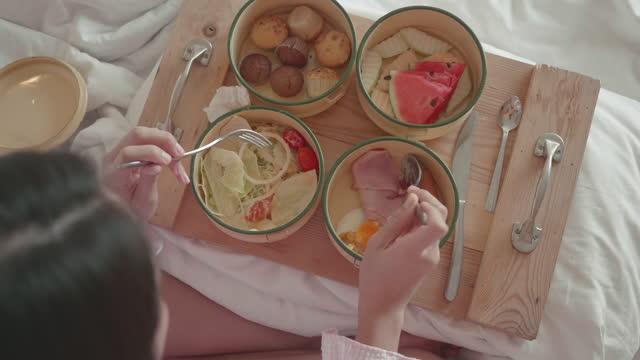 woman prepare for vegan dinner - vegan food stock videos & royalty-free footage