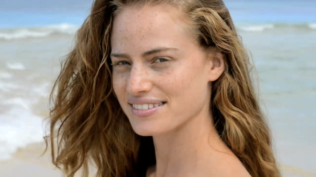 woman smiling - beautiful woman stock videos & royalty-free footage