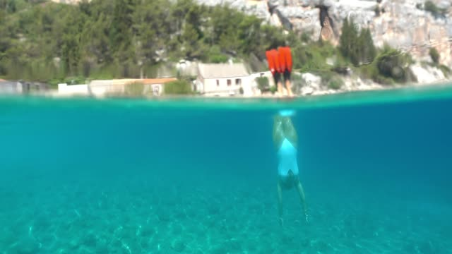ms woman snorkeling underwater - swimwear stock videos & royalty-free footage