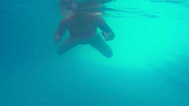 vrouw snorkelen