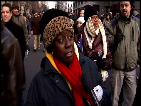 woman talks about her emotions witnessing historical inauguration of president barack obama washington dc 20 january 2009 - amtseinführung stock-videos und b-roll-filmmaterial