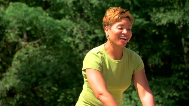 woman, teenage girl, and children at a playground - この撮影のクリップをもっと見る 1278点の映像素材/bロール