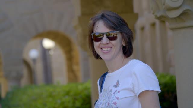 vidéos et rushes de femme - série d'émotions