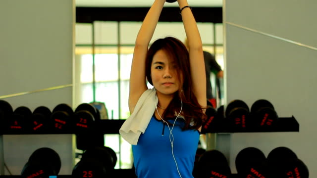 woman working out in the gym - clubhouse stock videos & royalty-free footage