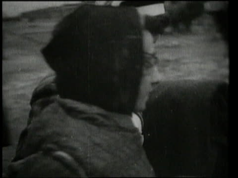women being helped out to wagon / oswiecim germany - befreiung stock-videos und b-roll-filmmaterial