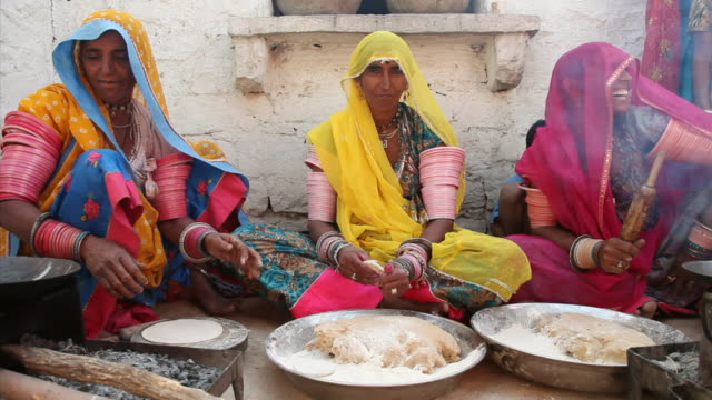 MS Women cooking for wedding / Rajasthan, India