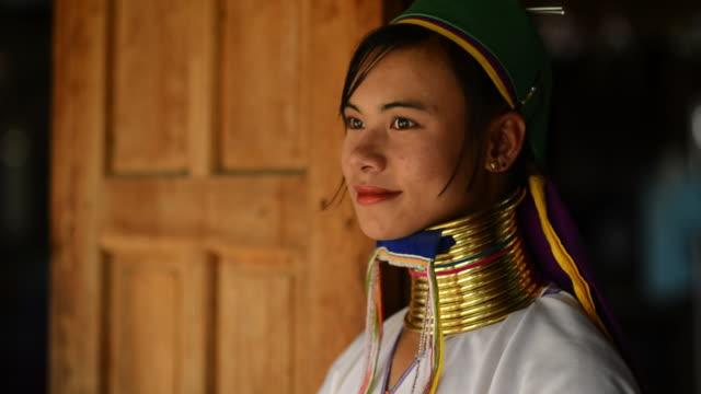 CU Women from long neck tribe / Inle Lake, Myanmar