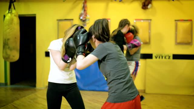vídeos y material grabado en eventos de stock de las mujeres del deporte - calzoncillos bóxer