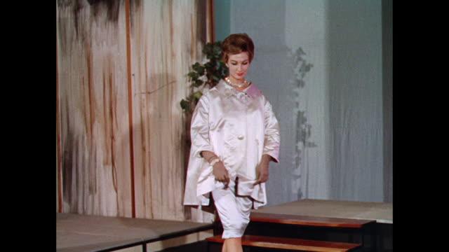 vídeos y material grabado en eventos de stock de montage women model modern british coats and dresses / uk - vestido tubo