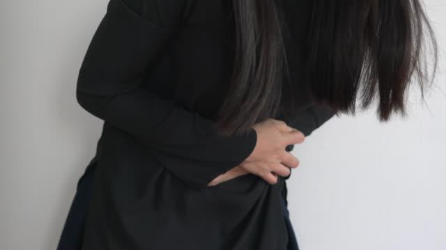 stockvideo's en b-roll-footage met moderne menstruatie van de vrouwen - menstruatie