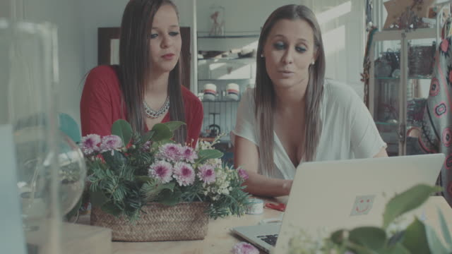 Frauen business startup-florist