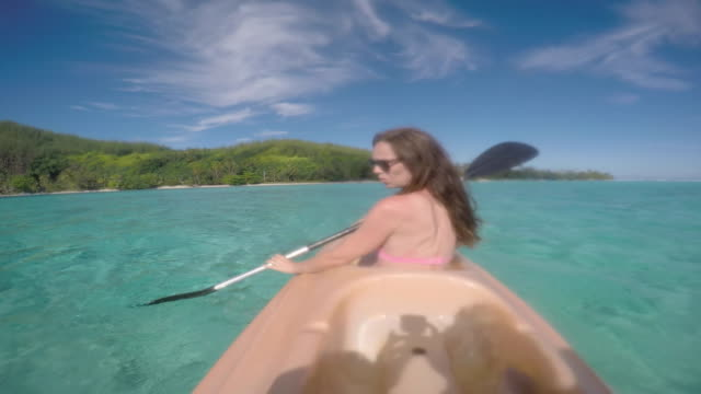 women paddling kayak - south pacific ocean stock videos & royalty-free footage