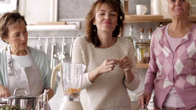women preparing healthy meal - dieting stock videos & royalty-free footage