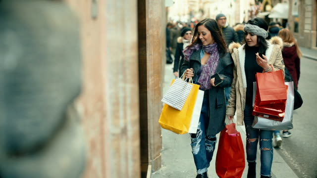 Women shopping at via Condotti in Rome